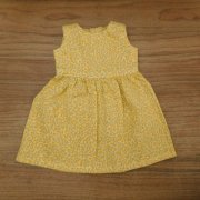 ノースリーブ ワンピース 黄色 小花模様 28cmサイズ