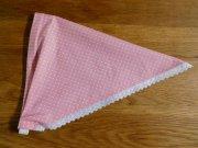 ミニギンガムチェックのレース付き子ども用三角巾・ピンク・ゴムタイプ