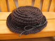 こげ茶色の編み帽子・34cmサイズ