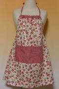 花柄×赤ギンガムのオーバースカートエプロン・100cm