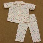 アルファベット柄のパジャマ・半袖・シャツタイプ・28cmサイズ