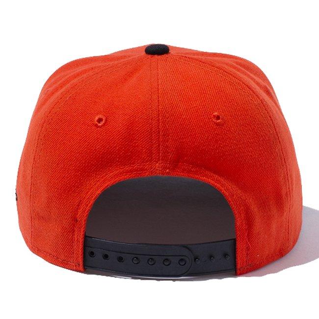 ニューエラ 950 スナップバック キッズ キャップ ニューヨークシティロゴ オレンジ ブラック ブラック ブラックの画像
