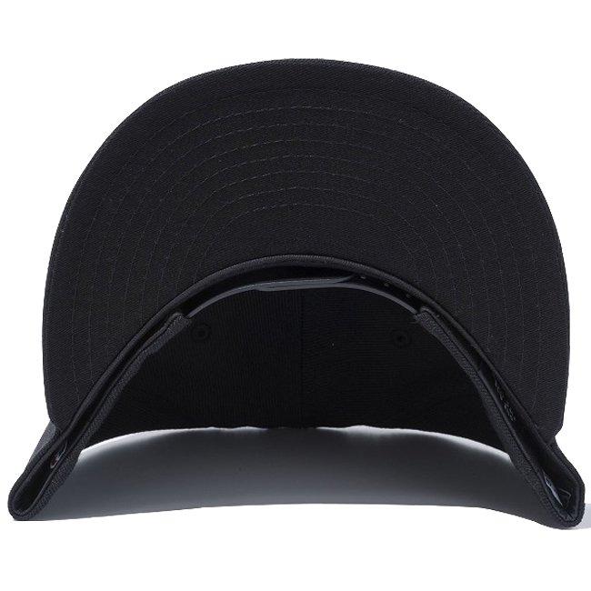 ニューエラ 950 スナップバック キャップ NBA カスタム シカゴ ブルズ ブラック ブラック チームカラー スノーホワイトの画像