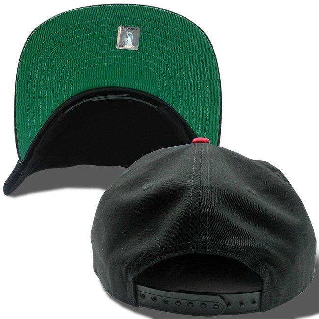 ニューエラ ザ ゴルファー スナップバック キャップ オールドスクリプトロゴ シカゴ ブルズ ブラック ブラック ラディアントレッド ラディアントレッドの画像