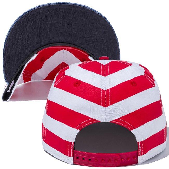 ウォーリー×ニューエラ 950 スナップバック キャップ ロゴ ボーダー プリント ウォッシュドデニム オフィシャルカラー スノーホワイトの画像