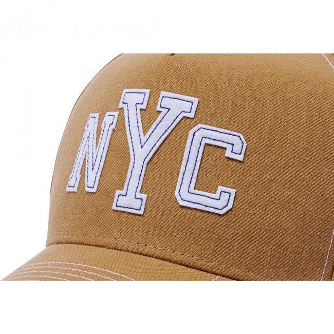 ニューエラ 940 エーフレームトラッカー キャップ コントラストスティッチ ニューヨークシティ NYC ウィート ホワイトフェルトパッチ スノーホワイトの画像