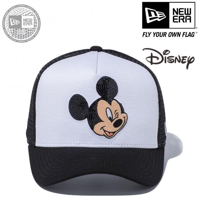 ディズニー×ニューエラ 940キャップ ゴルフ ディーフレームトラッカー ミッキーマウス ウィンク シークインド ホワイト ブラックメッシュ ブラック マルチカラー スノーホワイトの画像