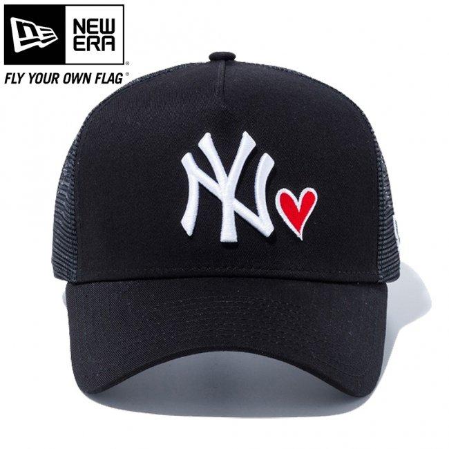ニューエラ 940キャップ スナップバック エーフレームトラッカー レッドハートロゴ ニューヨークヤンキース ブラック ブラックメッシュ ブラック スノーホワイト ラディアントレッド スノーホワイトの画像