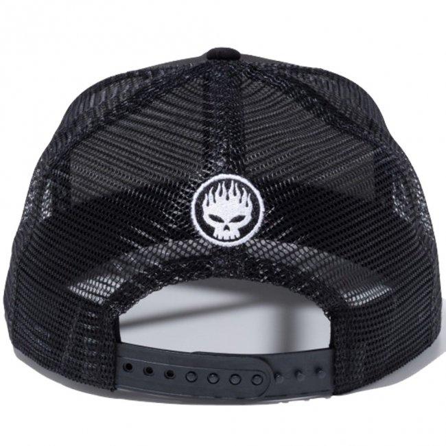 オフスプリング×ニューエラ 950 スナップバック キャップ オリジナルフィット トラッカー ミュージック アーティスト ブラック ブラックメッシュ スノーホワイト ブラックの画像