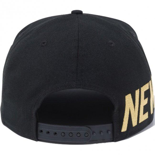 ニューエラ 950 スナップバック キャップ エッセンシャル サイドビッグロゴ ブラック メタリックゴールドの画像