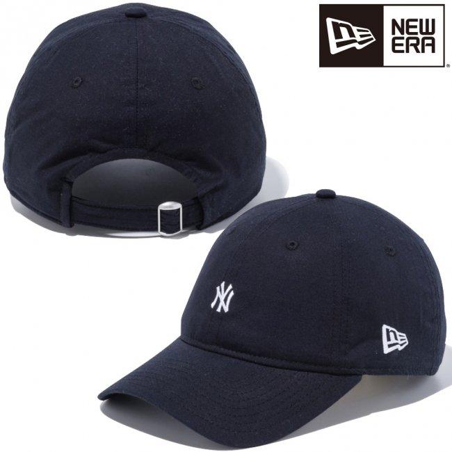 ニューエラ 930キャップ クローズストラップ ニューヨークヤンキース タイプライター ピュアブラック スノーホワイト の画像