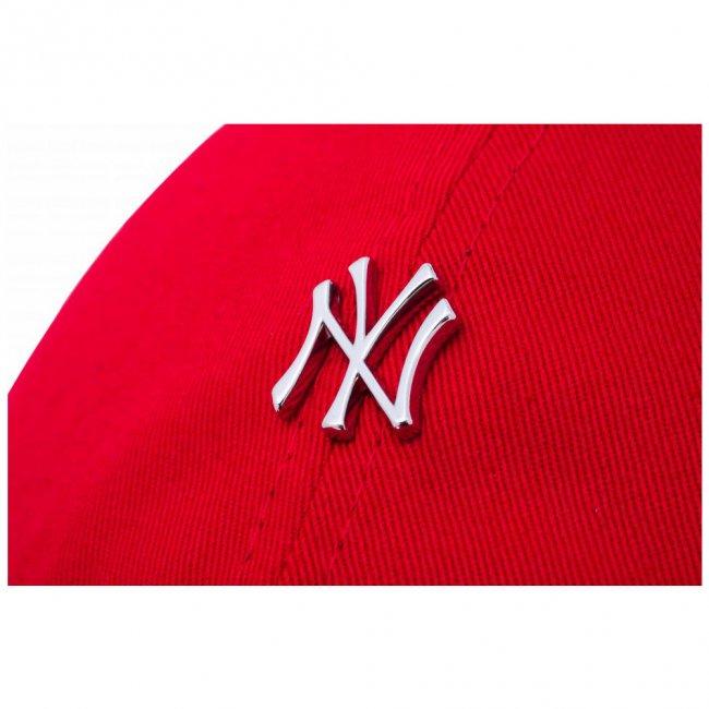 ニューエラ 930キャップ クローズストラップ メタルロゴ ニューヨークヤンキース スカーレット シルバー スノーホワイトの画像