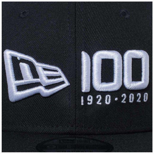 ニューエラ 950 スナップバック キャップ ニューエラ 100th  アニバーサリー ロゴ ブラック スノーホワイトの画像