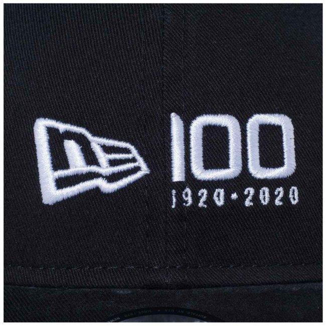 ニューエラ 9THIRTY キャップ クローズストラップ ニューエラ 100th  アニバーサリー ロゴ ブラック スノーホワイトの画像