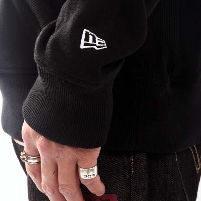 ニューエラ フーディー ディスカス オーバーヘッド ブラック/ホワイトの画像