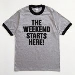 <img class='new_mark_img1' src='//img.shop-pro.jp/img/new/icons8.gif' style='border:none;display:inline;margin:0px;padding:0px;width:auto;' />POP GEAR  WEEKEND STARTS HERE! リンガーTシャツ  HEATHER GREY / BLACK