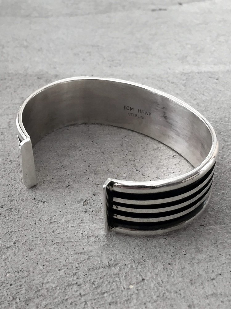 Indian Jewelry | インディアンジュエリー Tom Hawk / BANGLE (WIDE) #A