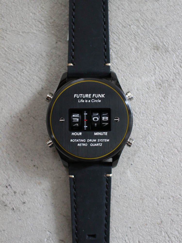 FUTURE FUNK | ROUND DRUM WATCH (LEATHER) #BLACK [FF102-BKYL-LBK]