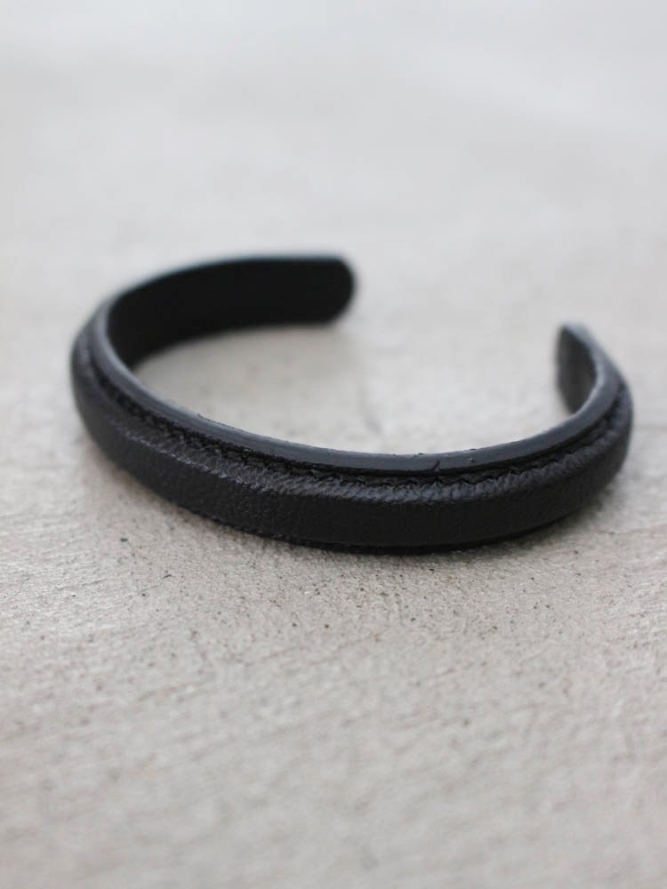 CHEVRE BANGLE #BLACK