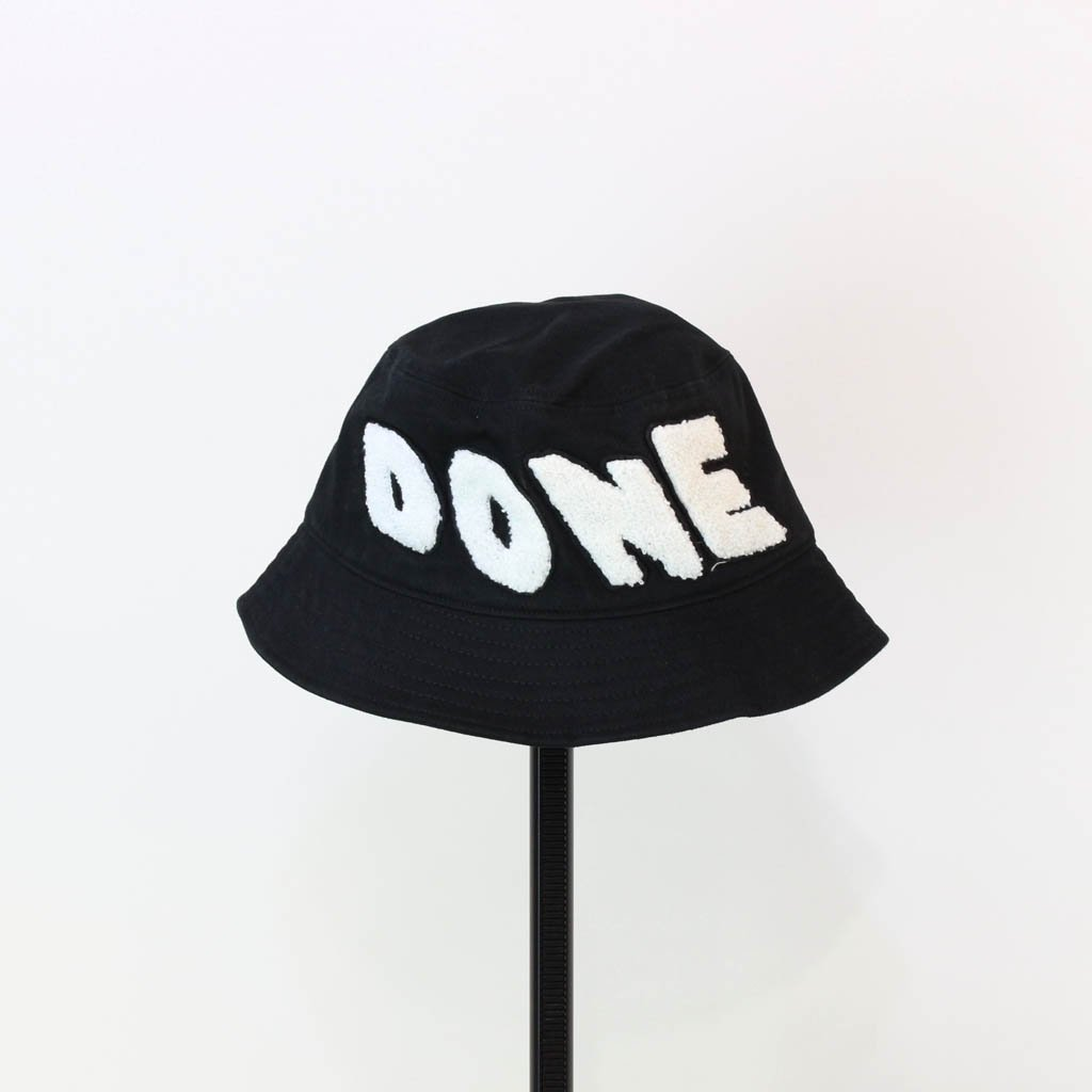 WE11DONE|EMBROIDERED LOGO PATCH BUCKET HAT #BLACK [WD-AH9-20-075-U]