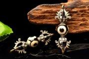 Silver925 チベット密教法具 三眼天珠 43x14mm 金剛杵 ヴァジュラ ペンダントトップ 1個売り_PRG574