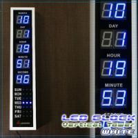 スタイリッシュなLEDデジタル縦型置き時計/ホワイト カレンダー表記付き縦型クロック 壁掛け可能