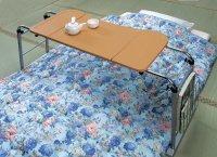 ベッドテーブル 天板4段階調整 補助テーブル 介護机  ベッド用テーブル 介護テーブル  キャスター付