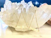 【オパール18k:トライアングルピアス】 幸福を呼ぶ宝石。
